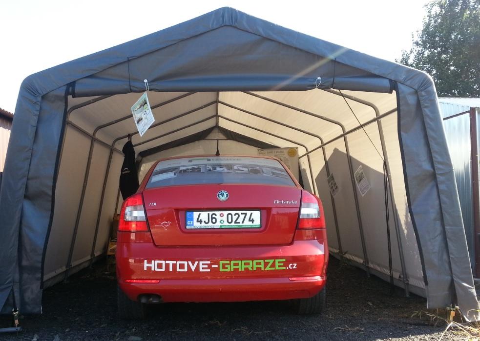 plachtova garaz