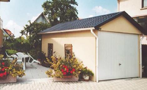 garaz se sedlovou strechou
