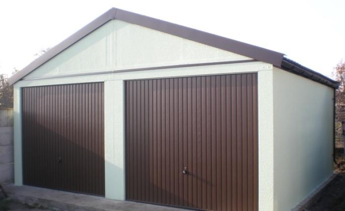 montovana garaz se sedlovou strechou